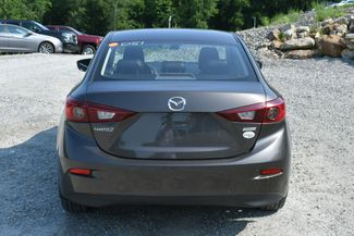 2017 Mazda Mazda3 4-Door Touring Naugatuck, Connecticut 5