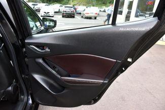 2017 Mazda Mazda3 4-Door Touring Waterbury, Connecticut 18