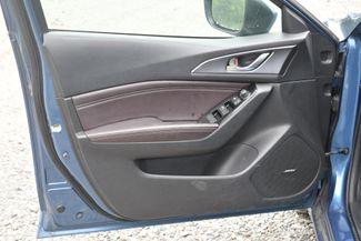 2017 Mazda Mazda3 5-Door Grand Touring Naugatuck, Connecticut 20