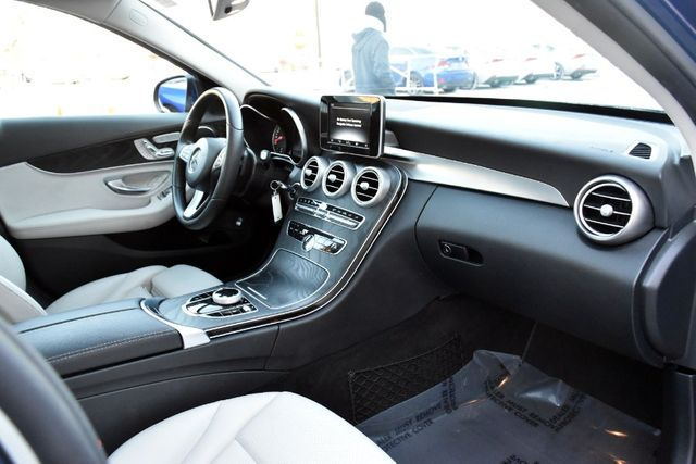 2017 Mercedes-Benz C 300 C 300 4MATIC Sedan Waterbury, Connecticut 25