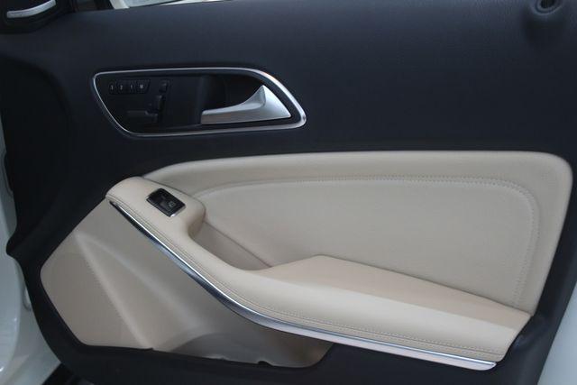 2017 Mercedes-Benz GLA 250 Houston, Texas 16