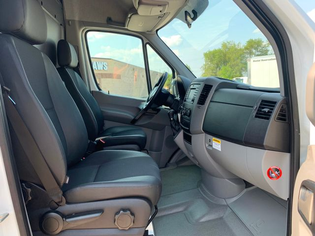 2017 Mercedes-Benz Sprinter Cargo Van Worker Chicago, Illinois 12