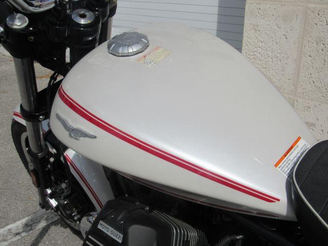 2017 Moto Guzzi V9 Roamer in Dania Beach Florida, 33004