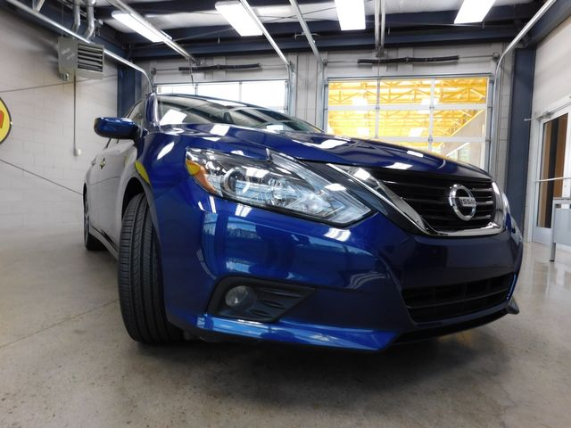 2017 Nissan Altima 2.5 SR in Airport Motor Mile ( Metro Knoxville ), TN 37777