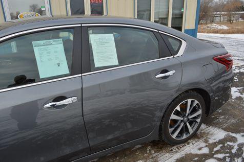2017 Nissan Altima 3.5 SR in Alexandria, Minnesota