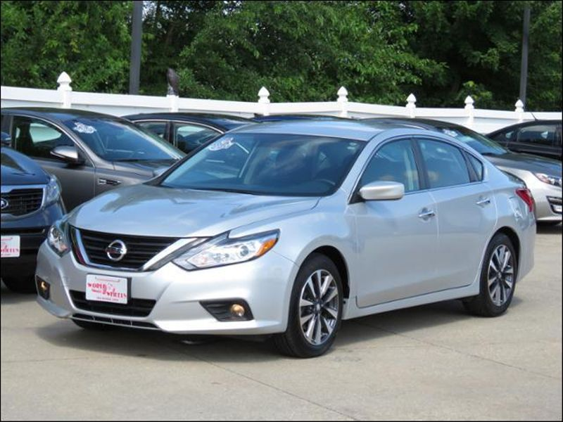 2017 Nissan Altima 2 5 Sv Brilliant Silver W Alloys