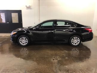2017 Nissan Altima 2.5 S in Cleveland , OH 44111