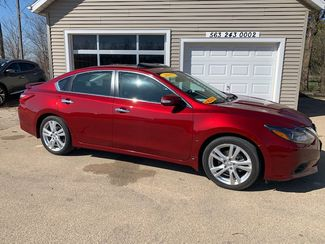 2017 Nissan Altima 3.5 SL in Clinton, IA 52732