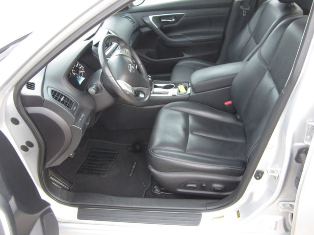 2017 Nissan Altima 2.5 SL Houston, Mississippi 8