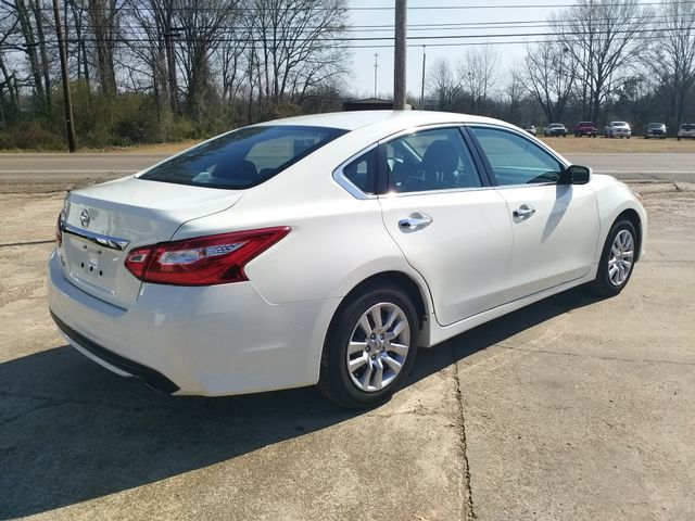 2017 Nissan Altima 2.5 S Houston, Mississippi 4