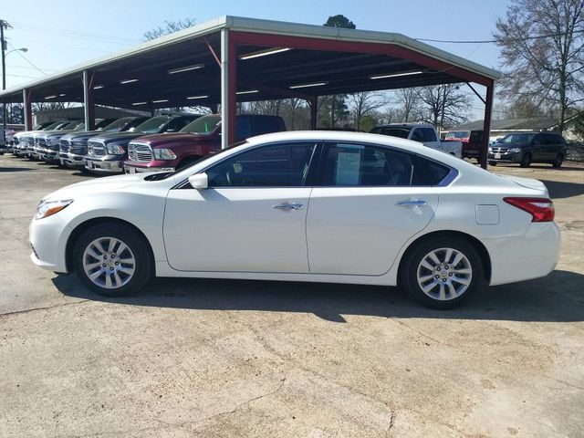 2017 Nissan Altima 2.5 S Houston, Mississippi 3