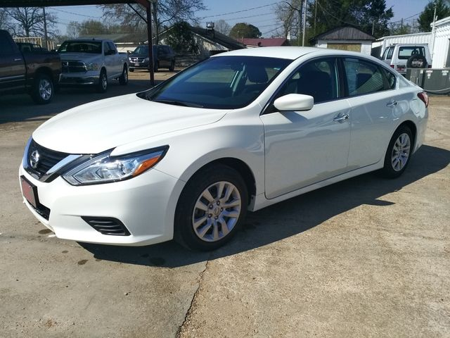2017 Nissan Altima 2.5 S Houston, Mississippi 1