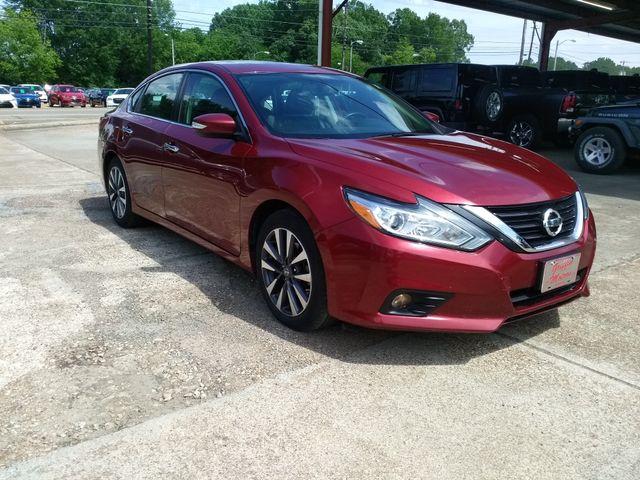 2017 Nissan Altima 2.5 SL Houston, Mississippi 1