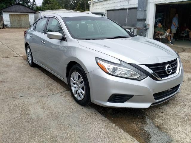 2017 Nissan Altima 2.5 S Houston, Mississippi 1
