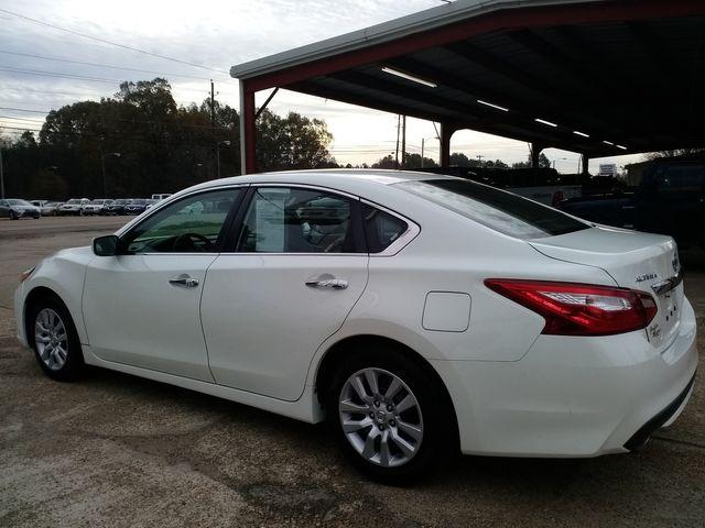 2017 Nissan Altima 2.5 S Houston, Mississippi 3