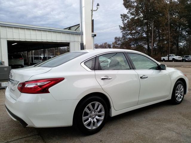 2017 Nissan Altima 2.5 S Houston, Mississippi 5