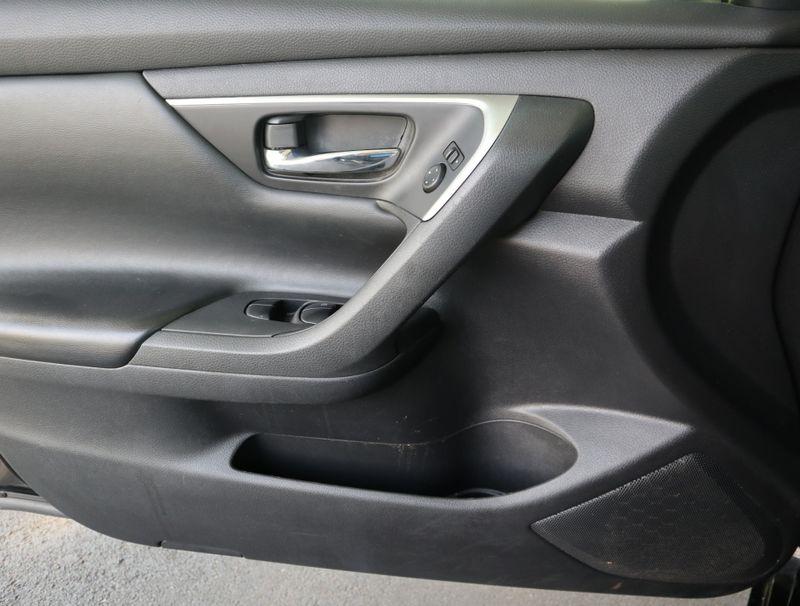 2017 Nissan Altima 25 SV  in Maryville, TN