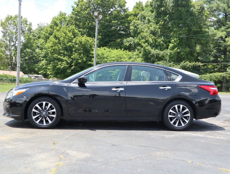 2017 Nissan Altima 25 SV  in Maryville, TN