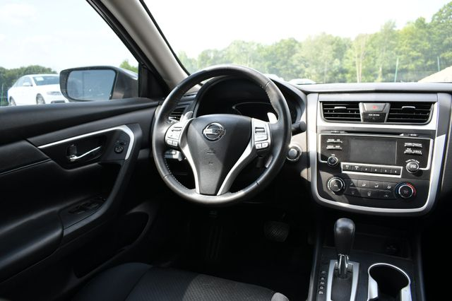 2017 Nissan Altima 2.5 SR Naugatuck, Connecticut 15