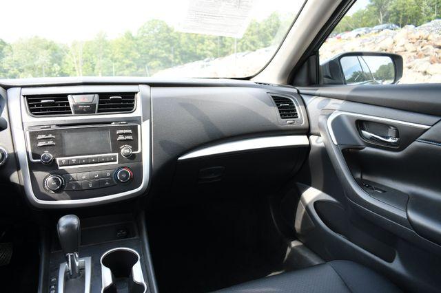 2017 Nissan Altima 2.5 SR Naugatuck, Connecticut 17