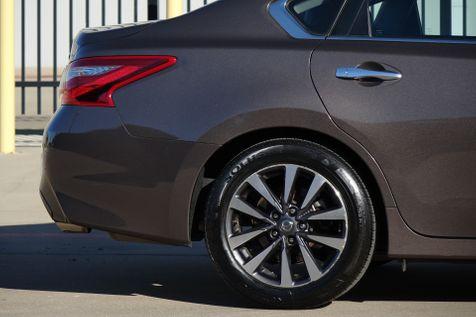 2017 Nissan Altima 2.5 SL* BU Cam* Sunroof* Leather*  | Plano, TX | Carrick's Autos in Plano, TX