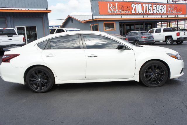 2017 Nissan Altima 2.5 SR in San Antonio, TX 78233