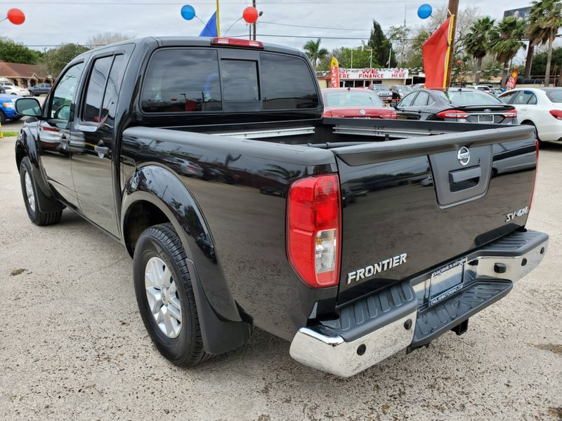 2017 Nissan Frontier SV V6  Brownsville TX  English Motors  in Brownsville, TX