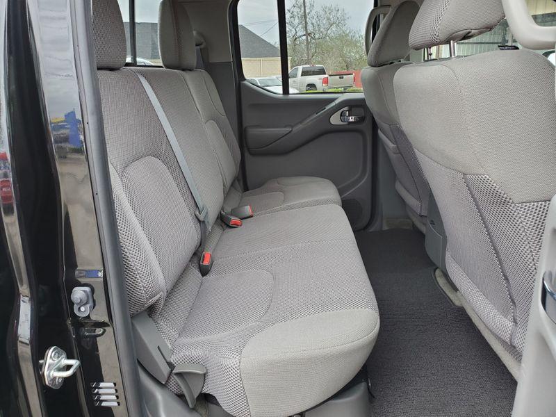 2017 Nissan Frontier SV V6  Brownsville TX  English Motors  in Brownsville, TX