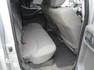 2017 Nissan Frontier SV V6 Crew Cab 4x4 Houston, Mississippi 10