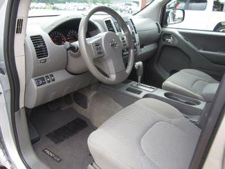 2017 Nissan Frontier SV V6 Crew Cab 4x4 Houston, Mississippi 7