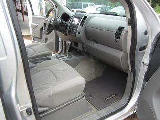 2017 Nissan Frontier SV V6 Crew Cab 4x4 Houston, Mississippi 9