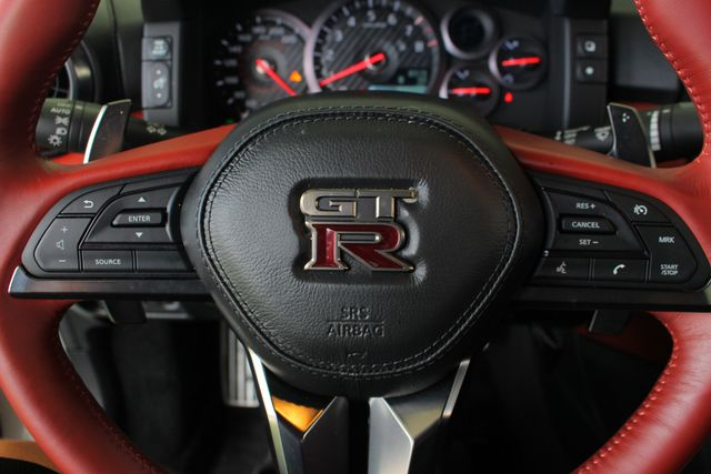 2017 Nissan GT-R Premium Edition AWD - RED AMBER LEATHER - 195 MPH! Mooresville , NC 36