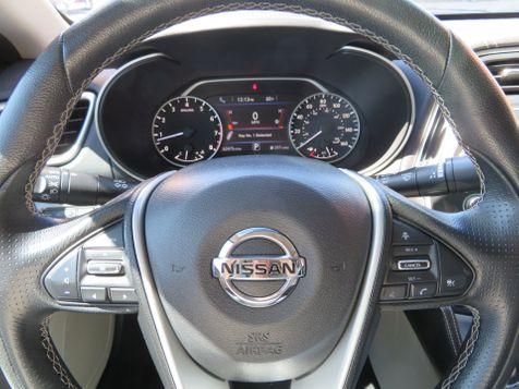 2017 Nissan Maxima SL   Abilene, Texas   Freedom Motors  in Abilene, Texas