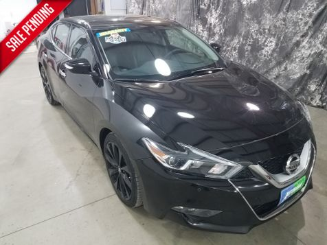 2017 Nissan Maxima SR  Midnight Edition in Dickinson, ND
