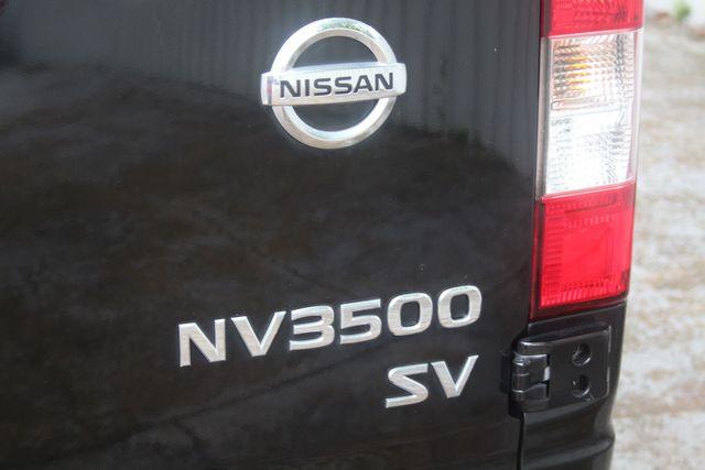 2017 Nissan NV Passenger SV Houston, Texas 14
