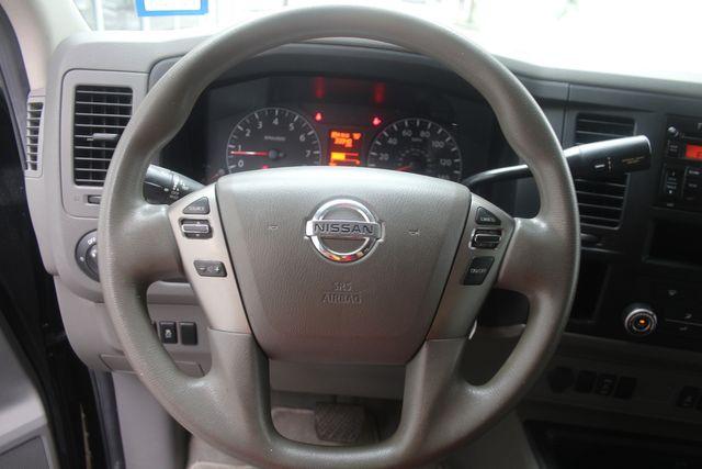 2017 Nissan NV Passenger SV Houston, Texas 32