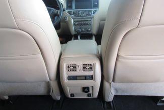2017 Nissan Pathfinder SL Chicago, Illinois 18