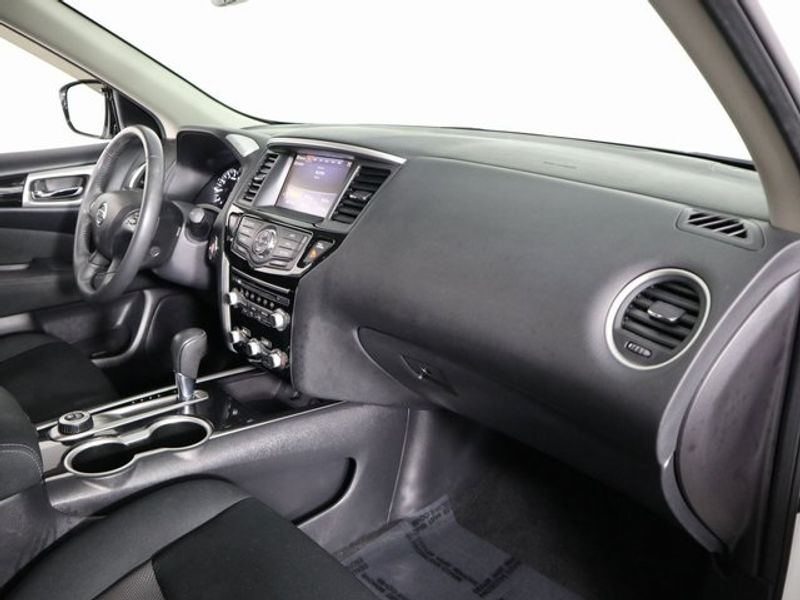 2017 Nissan Pathfinder SV  city Ohio  North Coast Auto Mall of Cleveland  in Cleveland, Ohio