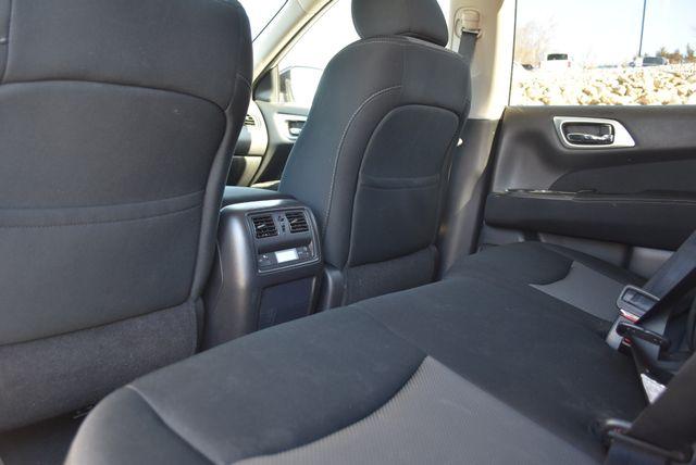 2017 Nissan Pathfinder S Naugatuck, Connecticut 14