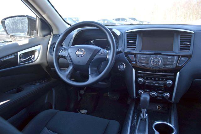 2017 Nissan Pathfinder S Naugatuck, Connecticut 17