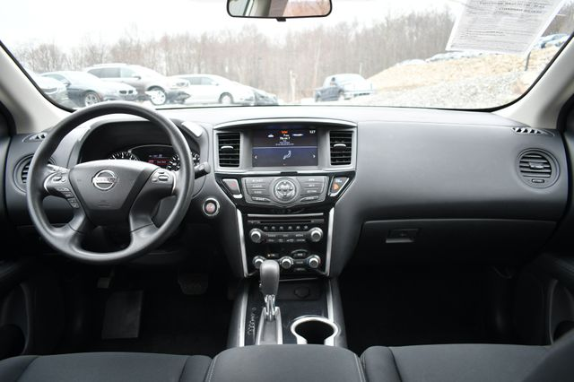 2017 Nissan Pathfinder S Naugatuck, Connecticut 18