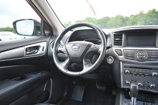 2017 Nissan Pathfinder SL Naugatuck, Connecticut 17