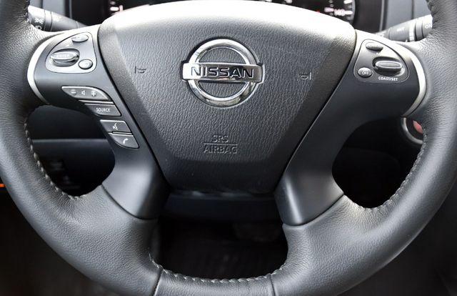 2017 Nissan Pathfinder SL Waterbury, Connecticut 38