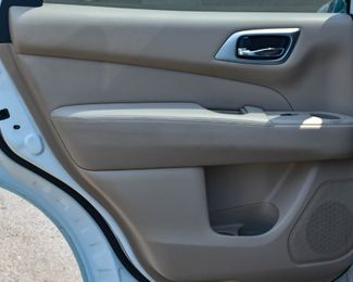 2017 Nissan Pathfinder Platinum Waterbury, Connecticut 28