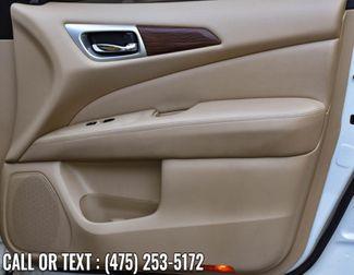 2017 Nissan Pathfinder Platinum Waterbury, Connecticut 26