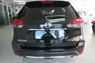 2017 Nissan Rogue SV Chicago, Illinois 5