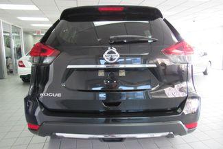 2017 Nissan Rogue SV Chicago, Illinois 3