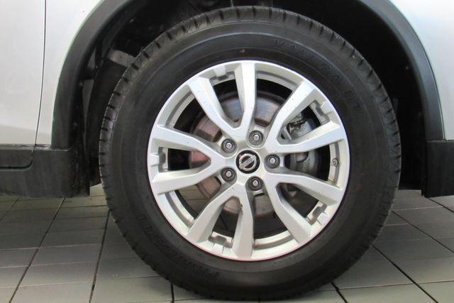 2017 Nissan Rogue SV Chicago, Illinois 21