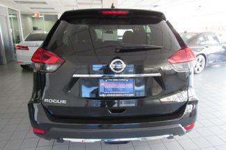 2017 Nissan Rogue SV Chicago, Illinois 6