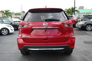 2017 Nissan Rogue SV Hialeah, Florida 4